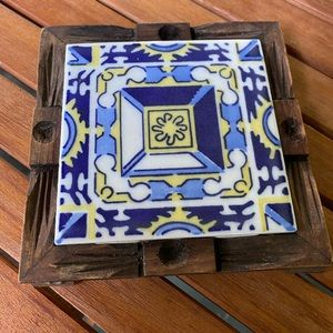 Vintage hot plate tile from Mexico. Circa 1950